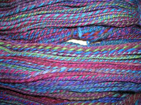 close-up of 2-ply from handpainted rovings